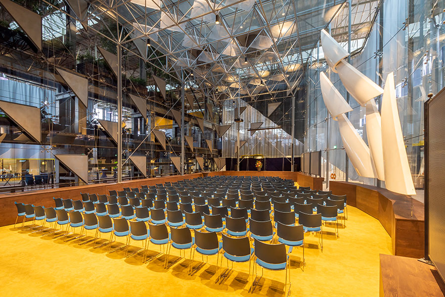 grote zaal Tilburg ruim 200 personen