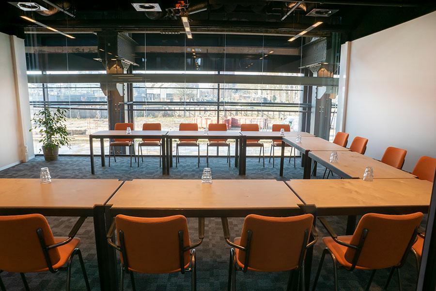 Ambacht vergaderruimte Tilburg Seats2meet LocHal spoorzone