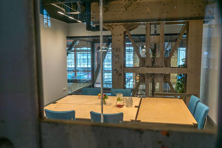 Vergaderruimte Tilburg Seats2meet LocHal Transparant