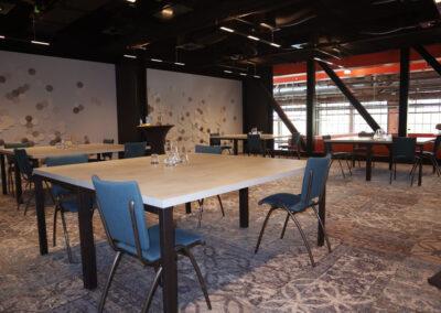 Vergaderzaal Beton1 - Seats2meet Tilburg Spoorzone