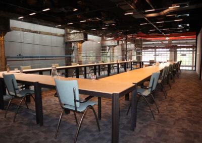 Vergaderrzaal Werkplaats1 - Seats2meet Tilburg Spoorzone